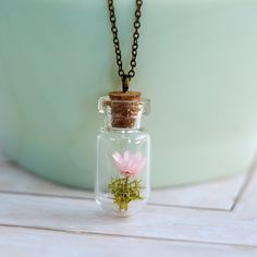 Bottle Necklace, Drop Necklace, Flowers In Jars, Pink Flowers, Crystal Beads, Crystals, Glass Crystal, Diy Resin Projects, Apple Watch Accessories