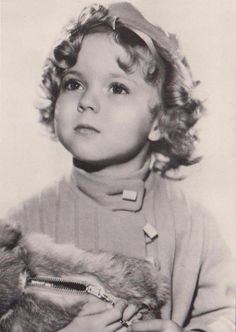1933 Shirley Temple in Managed Money Coat Child Actresses, Child Actors, Female Actresses, Actors & Actresses, Classic Hollywood, Old Hollywood, Temple Movie, Shirly Temple, Old Movie Stars