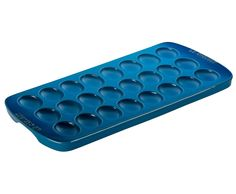 Serve and store your deviled eggs with the Le Creuset Deviled Egg Platter . Its stoneware construction blocks moisture and prevents cracking. Slate Cheese Board, Cheese Platter Board, Turkey Platter, Fish Platter, Le Creuset Cookware, Le Creuset Stoneware, Deviled Egg Platter, Deviled Eggs, China Platter