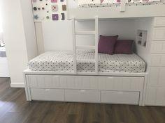 Cama tren triple lacada blanca House Bunk Bed, Bunk Beds, Ideas Habitaciones, Kids Bedroom, Baby Room, Storage, Furniture, Bedrooms, Home Decor