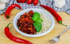 Chili Con Carne rasvaisemman jauhelihan kera Beef, Recipes, Food, Chili Con Carne, Red Peppers, Meat, Rezepte, Essen, Ox