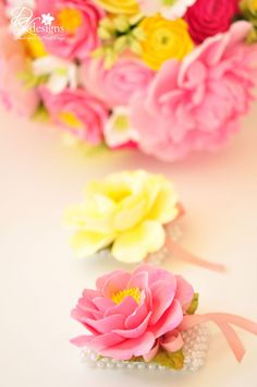 DK Designs: More Pink and Yellow Flowers. Shades Of Yellow, Pink Yellow, Yellow Flowers, Pink Roses, Pink And Green, Yellow Color Combinations, Pink Color Combination, Pastel Pink, Pastel Colors