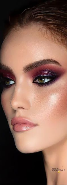 Sparkly Gold #SparklyGold Beauty Makeup Tips, Glam Makeup, Makeup Art, Eye Makeup, Beauty Hacks, You Look Fab, Fantasy Make Up, Glamour Shots, Beauty Junkie