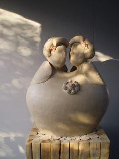 Zeeuws genieten: beeld van 2 Zeeuwse vrouwen die genieten in de zon.