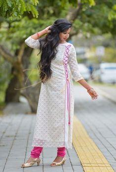 sainuzZ Kurti Sleeves Design, Sleeves Designs For Dresses, Kurta Neck Design, Dress Neck Designs, Salwar Designs, Kurta Designs Women, Kurti Designs Party Wear, Pakistani Dress Design, Pakistani Dresses