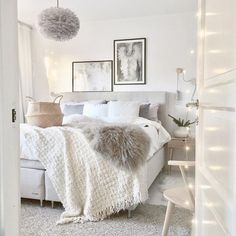 Cozy white bedroom, bed room white, cozy small bedroom decor, b Home Bedroom, Luxurious Bedrooms, Home Decor, Room Inspiration, Bedroom Inspirations, Bedroom Decor, Feminine Bedroom, Minimal Bedroom, New Room