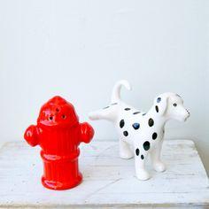 haha!  hilarious salt and pepper shaker!