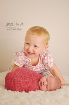 simone.trahan.photography, newborn girl photography, sisters, siblings