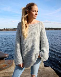 Bilderesultat for skappelgenser Sweater Knitting Patterns, Knitting Sweaters, Warm Sweaters, Pullover, Knit Fashion, Vintage Sweaters, Summer Wear, Everyday Fashion, Knitwear