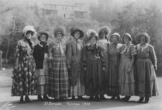 El Dorado Celebration, 1930.  Local residents of Sunland-Tujunga celebrate pioneer days by dressing-up in pioneer costumes. Little Landers Historical Society. San Fernando Valley History History Digital Library.