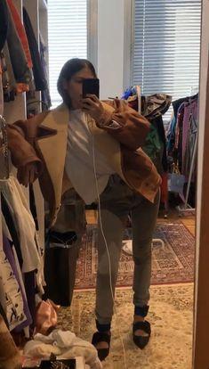 Gilda Ambrosio, Sheepskin Coat, Winter Looks, Combat Boots, Ootd, Style Inspiration, Elevator, My Style, Fitness