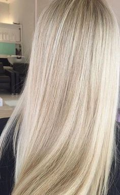 blondes blondehair hair hairstyle hairproducts haircare prettyhair hairhighlights - fix. Light Blonde Hair, Blonde Hair Looks, Blonde Hair With Highlights, Light Hair, Natural Looking Highlights, Light Blonde Balayage, Brown Balayage, Hair Inspo, Hair Inspiration