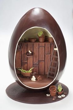 FRENCH CHOCOLATE PANORAMIC EASTER EGG