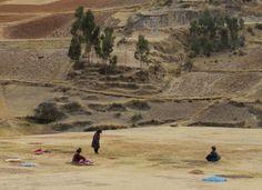 Perúvian workers via @Baptiste Viry #roadtrip #adventure #landscape