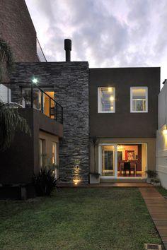 GVC Arquitectos #casasmodernas #fachada #casas #arquitectura #argentina #portaldearquitectos Young House Love, Concrete Jungle, A Frame Cabin, Tiny House, Architecture Design, Modern Design, House Plans, Sweet Home, Patio