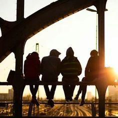 #WanderlustWednesday Unsere Top 15 der Dinge, die ihr in München nicht verpassen solltet!  Nummer #1: Die Architektur. München hat so viel mehr zu bieten, als die Frauenkirche und den Marienplatz. Erkundet mit Euren Smartphones und Kameras Münchner Gassen und Straßen und lasst euch von der Münchner Instagram Community inspirieren. Die schönsten Bilder findet ihr unter den Hashtags #visit_munich und #diemünchnerwieder  Photo Credit: @visit_munich und @j.ground via Instagram