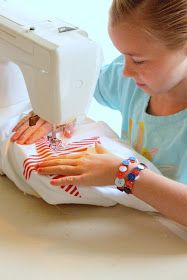 [dandee]: 4th of July Crafts for Children.