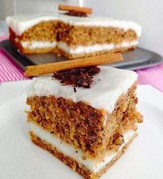 Havuçlu keki bir de böyle deneyin derim hem kek hem pasta tadına doyum olmayan nefis bir kek sizde deneyin derim.