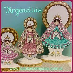 Virgencitas en madera de diferentes tamaños .