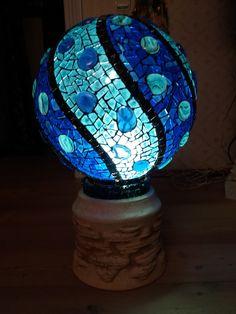 Bowling Ball Crafts, Mosaic Bowling Ball, Bowling Ball Art, Garden Spheres, Garden Balls, Mosaic Vase, Mosaic Tile Art, Mosaic Garden Art, Mosaic Stepping Stones