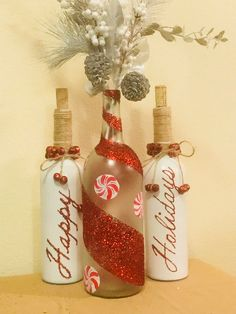 Wine Bottle Holiday Lamp The post Wine Bottle Holiday Lamp appeared first on Crafts. Fall Wine Bottles, Halloween Wine Bottles, Liquor Bottle Crafts, Christmas Wine Bottles, Wine Bottle Art, Painted Wine Bottles, Diy Bottle, Decorated Bottles, Liquor Bottles