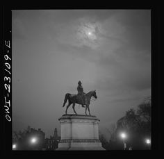 """April, 1943. """"Washington, D.C. Scott Circle.""""Bubley, Esther, photographer.Farm Security Administration – Office of War Information Photograph Collection, Library of Congress."""
