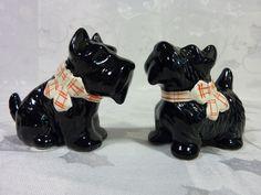 VINTAGE Josef Originals SCOTTY DOG figurine SALT & PEPPER SHAKERS Black
