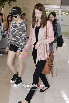 SNSD YOONA AND SUNNY AIRPORT FASHION