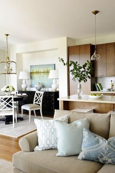Kerrisdale Designs' transitional dining, kitchen, and great room design