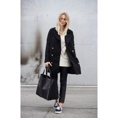Black and White cosy minimalist style Oversize coat and sweater Vans Black bag