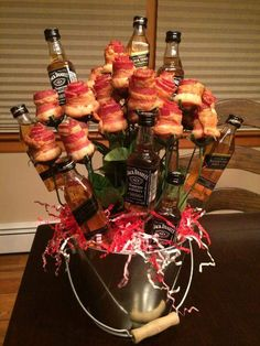 Booze & Bacon- bacon roses with jack Daniels and Johnny Black garnish! Booze & Bacon- bacon roses with jack Daniels and Johnny Black garnish! Valentines Day Gifts For Him Marriage, Bday Gifts For Him, Unique Birthday Gifts, Valentines Diy, Happy Valentines Day, Valentine Baskets, Saint Valentine, Fathers Day Gifts, Bacon Bouquet