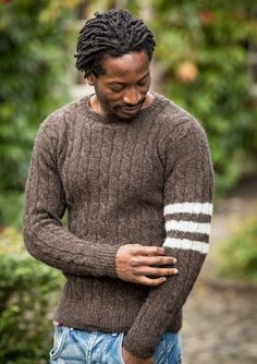 - Men& sweater with 3 stripes on a sleeve- – Herentrui met 3 strepen op een mouw – Men& sweater with 3 stripes on a sleeve - Mens Fashion Sweaters, Men Sweater, Sweater Design, Knit Patterns, Types Of Shirts, Men's Shirts, Shirt Sleeves, Knitwear, Outfits