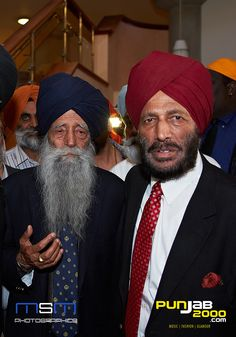 2 Great Sikh athletes & Living Legend Fauja Singh & Milkha Singh Toronto Waterfront Marathon, Fauja Singh, Lieutenant General, Indian Army, Living Legends, Rare Photos, Desi, Fun Facts, Religion