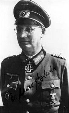 ✠ Hans Speidel (28 October 1897 – 28 November 1984) RK 01.04.1944 Generalleutnant Chef d. Gen.St. 8. Armee