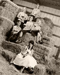 western wedding - amazing picture of bride and bridesmaids...