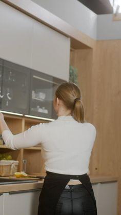 Kitchen Cupboard Designs, Kitchen Room Design, Pantry Design, Modern Kitchen Design, Kitchen Layout Plans, Retro Interior Design, Modern Kitchen Interiors, Dressing Room Design, Decoration