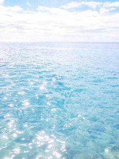 Summer Vibes :: Beach :: Friends :: Adventure :: Sun :: Salty Fun :: Blue Water :: Paradise :: Bikinis :: Boho Style :: Fashion + Outfits :: Free your Wild + see more Untamed Summertime Inspiration Peace Wallpaper, Trendy Wallpaper, Blue Water Wallpaper, Ocean Wallpaper, Sea And Ocean, Ocean Beach, By The Sea, Summer Beach, Sky Sea