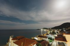 Offering free WiFi and a garden, Stellatos House is situated in Poros. Poros Beach is 80 metres from the property.