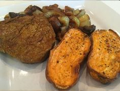 Try mixing up your steak with a little turmeric! Pan Seared Steak, 21 Day Fix Meal Plan, Stuffed Mushrooms, Stuffed Peppers, Mushroom And Onions, Beef Tenderloin, Non Stick Pan, Yams, The Dish