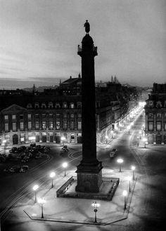 Place Vendôme Paris 1949 Robert Doisneau