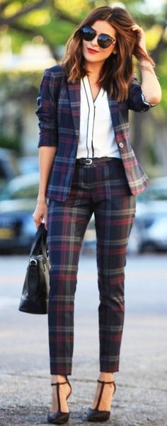 Fashionable-Work-Outfits-For-Women #womenpantssuits #womensfashionforwork