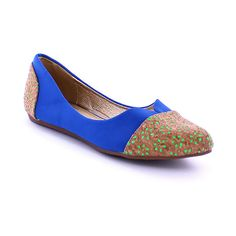 MAKERS SHOES Blue City Flat ($15) ❤ liked on Polyvore featuring shoes, flats, flat shoes, floral flat shoes, floral printed shoes, flower print shoes and blue cap Printed Shoes, Floral Flats, Blue City, Blue Flats, Flat Shoes, Ballerina, Floral Prints, Cap, Shoe Bag