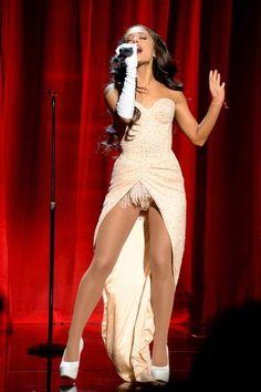 Ariana Grande - 2015 AMA Performance ~ Focus