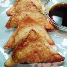 Chinese Wontons These appetizers disappear quickly! They are also great dipped in a mixture of soy sauce and Worcestershire sauce. Pork Wonton Recipe, Wonton Recipes, Pork Recipes, Asian Recipes, Appetizer Recipes, Cooking Recipes, Asian Foods, Chinese Recipes, Ono Kine Recipes