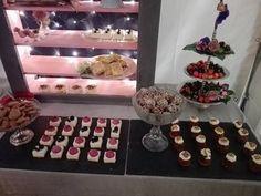 Pin Af Pink Bluebird På Pink Bluebirds Kager Desserts Home Decor