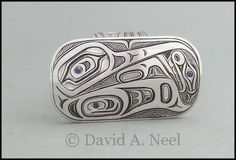 Something different: A Hummingbird Ring in silver with sapphires. #northwestNativeIndianArtJewelry #firstNationsArtJewelry