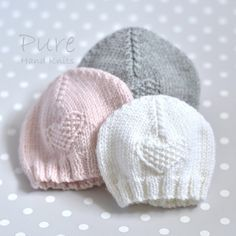 Knit this precious 4 Ply preemie and newborn baby hat to keep little ones warm. This little moss stitch heart preemie hat is very easy and very quick to knit. Perfect for a new knitter. Baby Hat Knitting Patterns Free, Baby Hat Patterns, Baby Hats Knitting, Free Knitting, Knitted Hats, Knitted Hat Patterns, Knitting Needles, Newborn Knit Hat, Newborn Hats