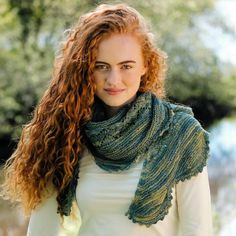 Erin Fishtail Shawl Pattern A shawl knit kit suitable for experienced knitters. The Erin shawl uses Irish sport-weight yarn making it ideal for all seasons. Knitting Kits, Loom Knitting, Hand Knitting, Knitting Patterns, Bamboo Knitting Needles, Knit Basket, Easy Stitch, Sport Weight Yarn, Fair Isle Pattern