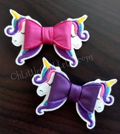 -Measures approximately 4 inches long -Machine embroidered on vinyl with a french barrette -From a pet free, smoke free home Diy Hair Bows, Bow Hair Clips, Baby Shower Cupcakes For Boy, Bow Template, Templates, Baby Shower Crafts, Custom Bows, Fantasy Hair, Boutique Hair Bows