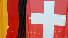 Die Klarnamenliste der Steuersünder: Warum die Schweiz erstmals Namen von Personen ins Netz stellt, die von deutschen Fahndern gesucht werden http://www.bild.de/geld/wirtschaft/schweiz/darum-stellt-die-schweiz-erstmals-klarnamen-von-steuersuendern-ins-netz-41086408.bild.html